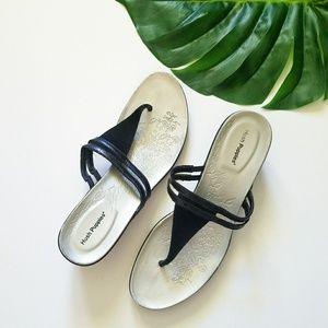 Super comfy Hush Puppies leather BLK sandals 10
